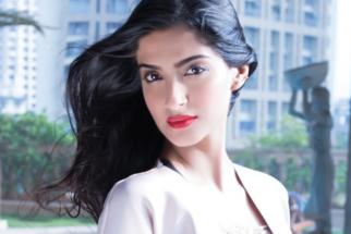 Sonam-Kapoor-Hot
