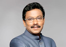 Vinod Tawde announces multiplexes should screen Marathi films at 6 pm