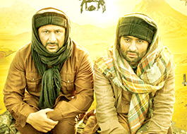 Cast of Welcome 2 Karachi to promote the film in Srinagar