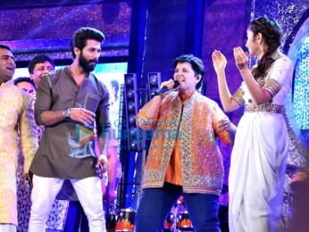 Shahid Kapoor, Falguni Pathak, Alia Bhatt