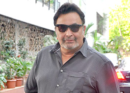 Rishi Kapoor to do a cameo in Juhi Chawla, Shabana Azmi starrer Chalk N Duster