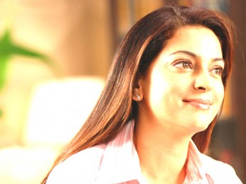 Movie Still From The Film Krazzy 4,Juhi Chawla