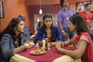 Movie Still From The Film Hello,Eesaha Koppikar,Gul Panag,Amrita Arora,Sharman Joshi,Sohail Khan