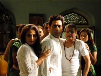Movie Still From The Film Bhool Bhulaiyaa,Vidya Balan,Shiney Ahuja,Paresh Rawal,Manoj Joshi