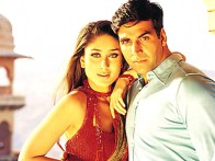 Movie Still From The Film Talaash... The Hunt Begins,Kareena Kapoor,Akshay Kumar