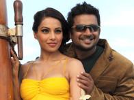 Movie Still From The Film Jodi Breakers,Bipasha Basu,R Madhavan