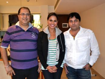 On The Sets Of The Film Super Model Featuring Navin Batra,Veena Malik,Ravi Ahlawat