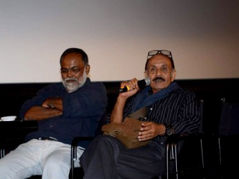 Photo Of Deepak Qazir From The Shabana and Amol Palekar at the screening of 'Khamosh'