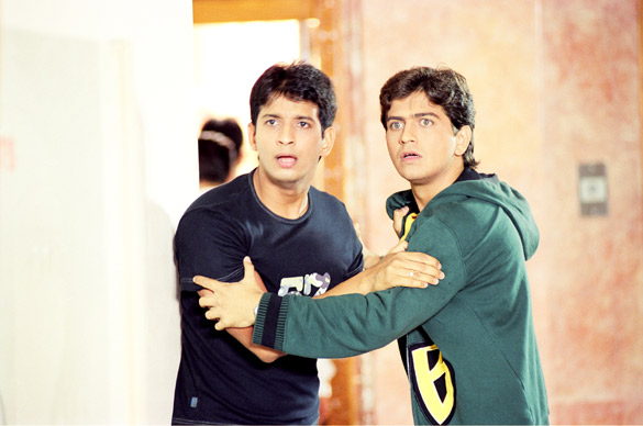 3 Bachelors 2012 Hindi in HD  Einthusan