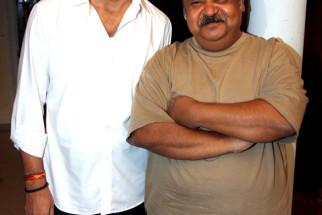 On The Sets Of The Film Love Kiya Aur Lag Gayi,Mukesh Tiwari,Saurabh Shukla
