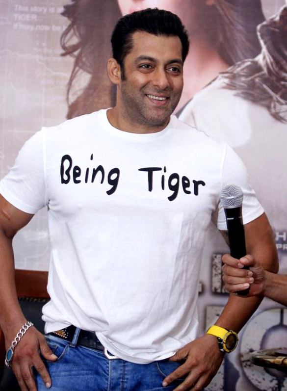 Salman Khan Promotes Ek Tha Tiger In New Delhi