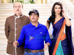 Anupam Kher, Sunil Agnihotri, Gabriela Bertante
