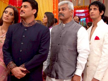 Movie Still From The Film Toh Baat Pakki,Tabu,Ayub Khan,Sharat Saxena,Sharman Joshi