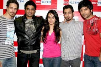 Photo Of Siddharth Kher,R Madhavan,Sharadha Kapoor,Dhruv Ganesh,Vaibhav Talwar From The Starcast of the film 'Teen Patti' at Big FM studios