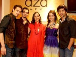Photo Of Siddharth Kher,Dhruv Ganesh,Sharadha Kapoor,Vaibhav Talwar From Teen Patti cast at Aza Men preview