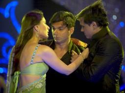 Movie Still From The Film Main Aur Mrs Khanna Featuring Kareena Kapoor,Sohail Khan,Yash Tonk