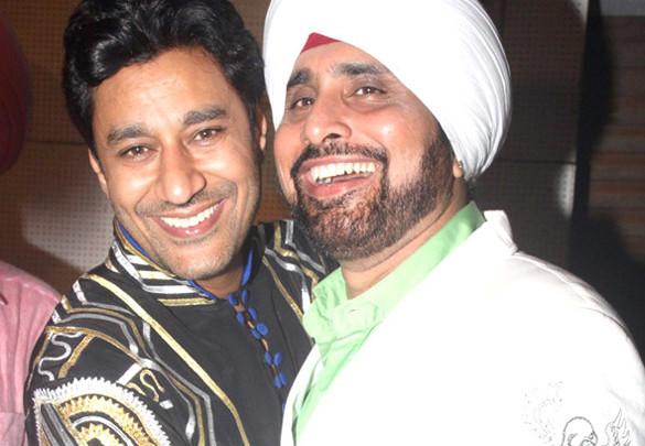 Photo Of Harbhajan Mann,Arvinder Singh From The Punjab Association organizes 'Baisakhi Ki Raat' event