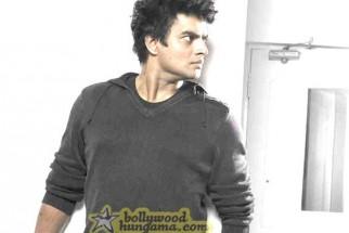 Movie Still From The Film 13B Featuring Madhavan