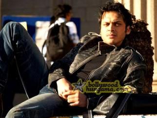 Movie Still From The Film Kal Kissne Dekha Featuring Akshay Kapoor