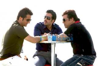 Movie Still From The Film Life Partner Featuring Govinda,Tusshar Kapoor,Fardeen Khan