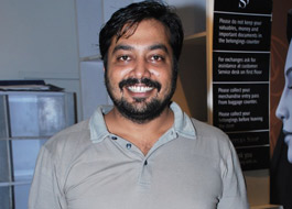 Anurag Kashyap accuses Big B of postponing release of Chittagong