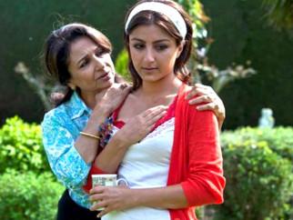 Movie Still From The Film Life Goes On,Sharmila Tagore,Soha Ali Khan