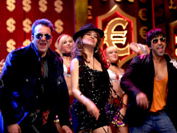 Movie Still From The Film Double Dhamaal,Sanjay Dutt,Kangna Ranaut,Ashish Chowdhry