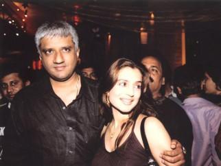 Photo Of Vikram Bhatt,Amisha Patel From The Premiere Of Ek Khiladi Ek Haseena