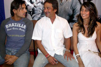 Photo Of John Abraham,Mahesh Manjrekar,Anousha Dandekar From The Audio Launch Of Viruddh
