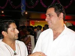 Photo Of Sanjay Dutt,Vidhu Vinod Chopra From The Audio Release Of 'Munnabhai MBBS'