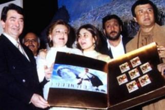 Photo Of Randhir Kapoor,Babita,Kareena,Jackie Shroff,Avtar Gill From The Audio Release Of Refugee