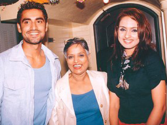 Photo Of Aruna Raje,Netanya Singh From The Launch Of Venus Tapes And Records New Movie