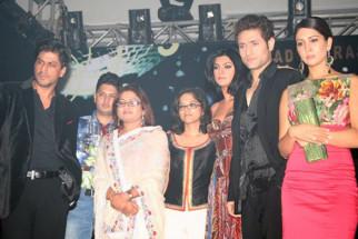 Photo Of Shahrukh Khan,Anuradha Prasad,Tanuja Chandra,Sushmita Sen From The Audio Launch Of Zindaggi Rocks