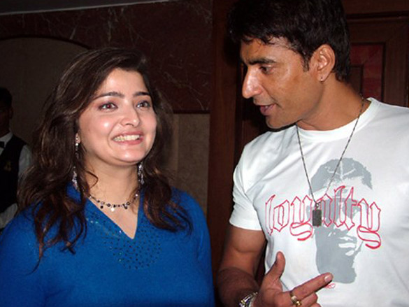 Photo Of Vasundhara Das,Narendra N Jha From The Eik Dasttak Movie Completion Party