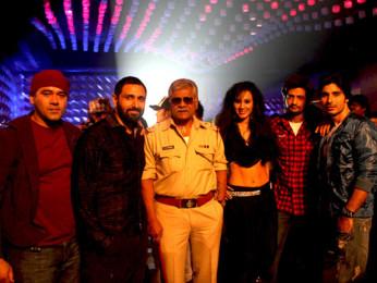 Movie Still From The Film Sahi Dhandhe Galat Bande,Ashish Nair,Parvin Dabas,Sharat Saxena,Kuldeep Ruhil,Vansh Bhardwaj