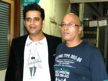 Photo Of Ravi Kissen,Hriday Shetty From The Cast of 'Chaalis Chauraasi' at Ramnarain Ruia College