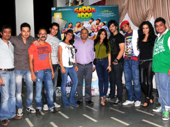 Photo Of Kunal Pant,Muazzam Beg,Bhaumik Sampat,Shaurya Chauhan,Tarun R Agarwal,Kahkkashan Aryan,Karanvir Sharma,Rohin Robert,Maryam Zakaria,Rohit Arora From The 'Sadda Adda' starcast at Rithumbara to promote their film on Chrismas eve