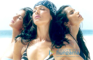 Movie Still From The Film Boom Featuring Padma Lakshmi,Madhu Sapre,Katrina Kaif