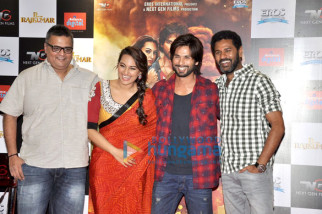 Viki Rajani, Sonakshi Sinha, Shahid Kapoor, Prabhu Dheva