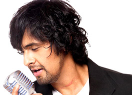 Why is Sonu Nigam refusing to sign the contract?