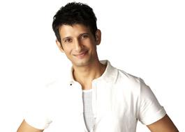 Sharman to return to theatre with Sahi Re Sahi