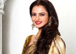 Rekha to imitate Amitabh Bachchan in Super Nani