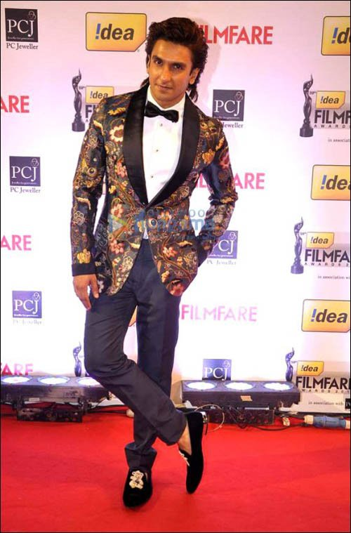 dlasranveer1 Ranveer Singh Dressing Style-24 Best Fashion Look of Ranveer Singh