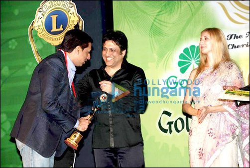 Big B, Dharmendra & other Bollywood biggies attend 16th Lions Gold Awards