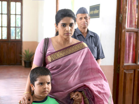 Sonali Kulkarni,Kishore Nandlaskar Photos - Bollywood Hungama