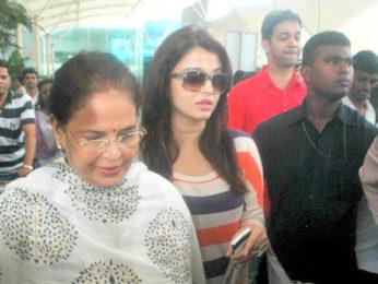 Photo Of Vrinda Rai,Aishwarya Rai,Aditya Rai From The Ash and Abhishek return from Delhi