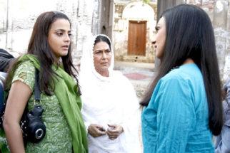 Movie Still From The Film Bas Ek Tamanna,Gauri Karnik,Anjana Mumtaz,Rituparna Sengupta