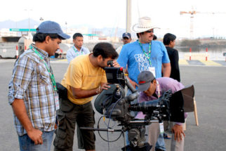 On The Sets Of The Film Bas Ek Tamanna Featuring Sameer Aftab,Gauri Karnik,Rituparna Sengupta,Anjana Mumtaz,Reema Lagoo,Vrajesh Hirjee,S. M. Zaheer,Bharat Kapoor,Rajan Modi,Master Laeeque