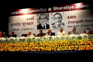 Photo Of Amitabh Bachchan,Dr. Akhlaq Mohammed Khan Shahryar,Gulzar From The Amitabh Bachchan felicitates Shahryar with 44th Jnanpith Award
