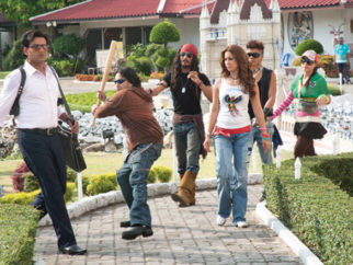 Movie Still From The Film Loot,Ravi Kissen,Mika Singh,Kim Sharma